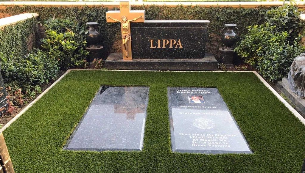 artificial grass for graves